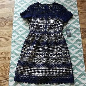 NWT Vince Camuto Navy Lace Dress Sz 2